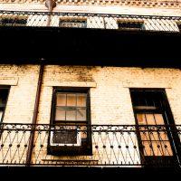 Balcony Scene - New Orleans | Blurbomat.com