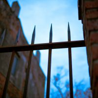 Pointy - New Orleans fence posts | Blurbomat.com
