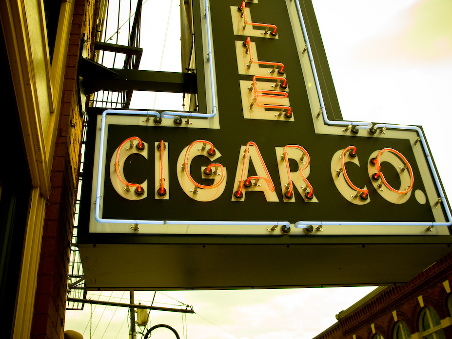 Jon Armstrong - Blurbomat - Knoxville Cigar Co. - Cigar Neon, sign, neon