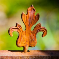 Tilting Fleur de Lis | Blurbomat.com