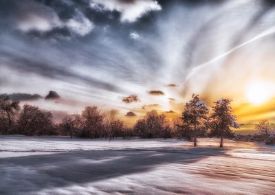 Clouds Getting Sucked In to the Event Horizon | Blurbomat.com