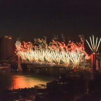July 4, 2014 fireworks on the Brooklyn Bridge. | Blurbomat.com
